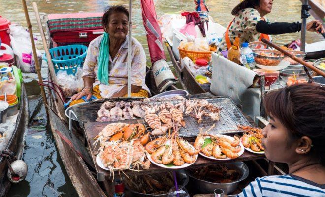 アンパワー水上マーケット(Amphawa Floating Market)