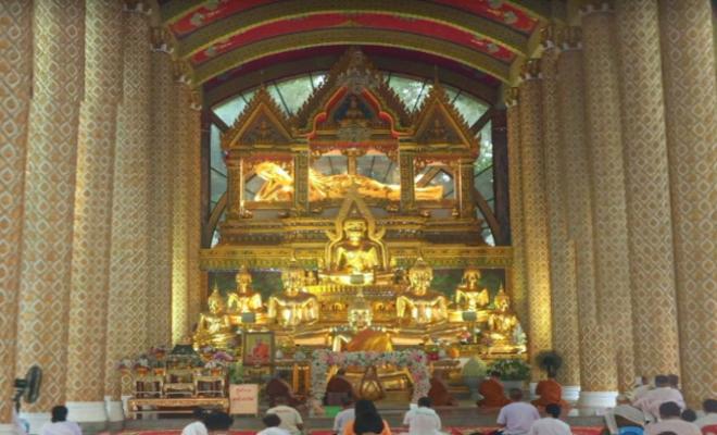 ワット・プラタート・ノン・ブア(Wat Phra That Nong Bua)